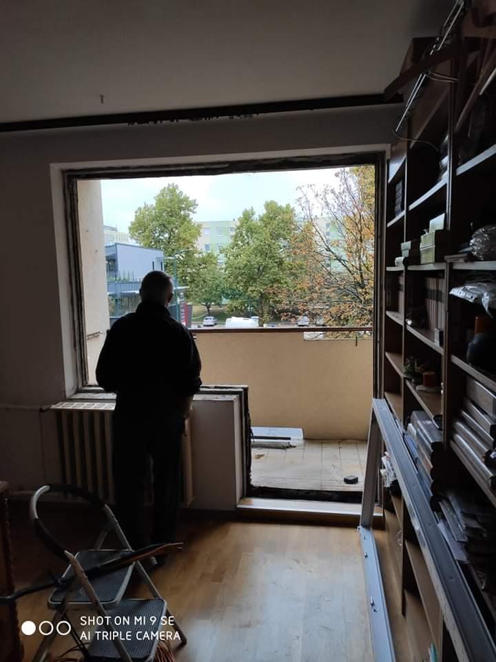 Ablak és ajtó csere előtt a nappaliban