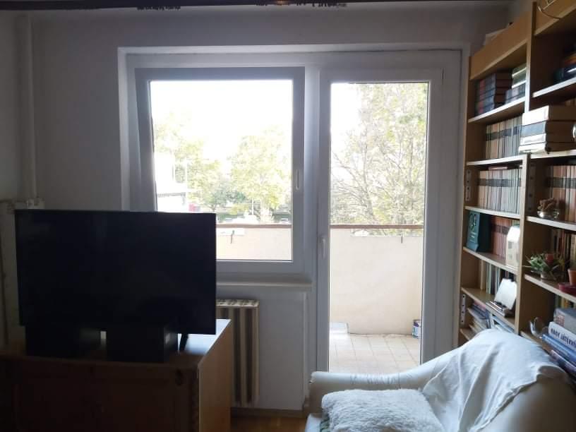Ablak és ajtó csere a nappaliban