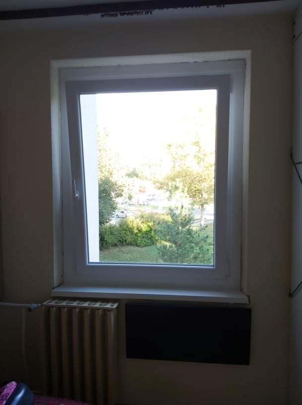 Ablakcsere a kisszobában