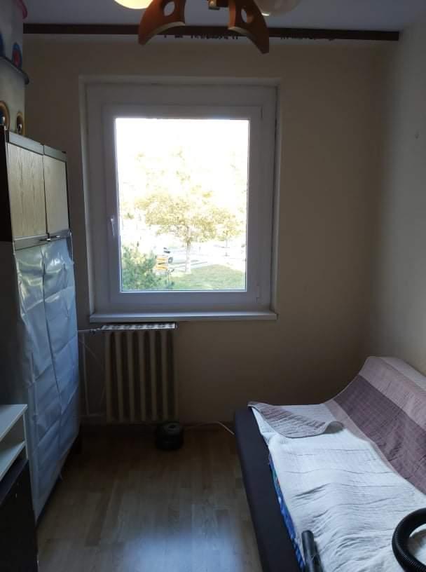 Ablakcsere a középső szobában
