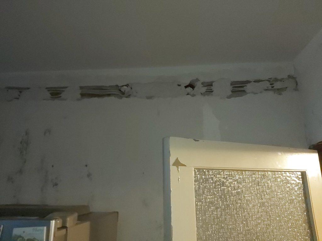 Fő utca lakás felújítása - villamos vezeték cseréje a nappaliban