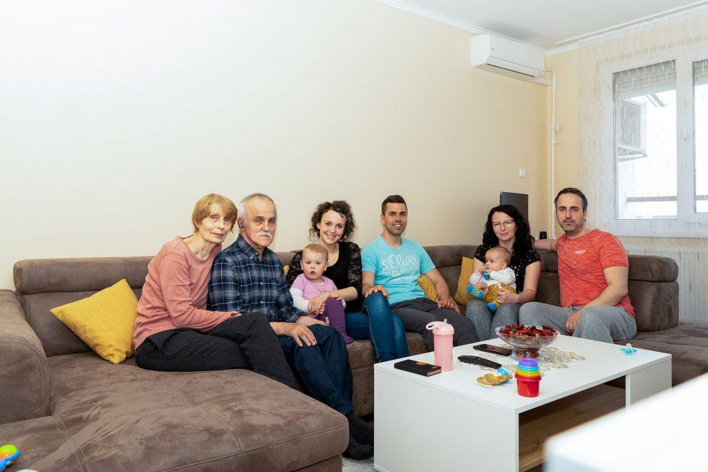 Első közös összejövetel a Cserhát utcai lakásunkban