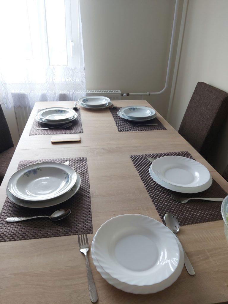 A közös ebédhez megterítve