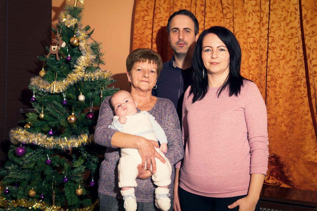 Karácsonyozás a Fiastyúk utcában